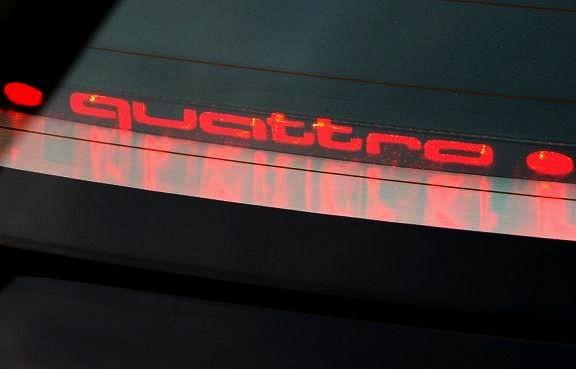 Aufkleber mit Schriftzug Bremslicht Coupe